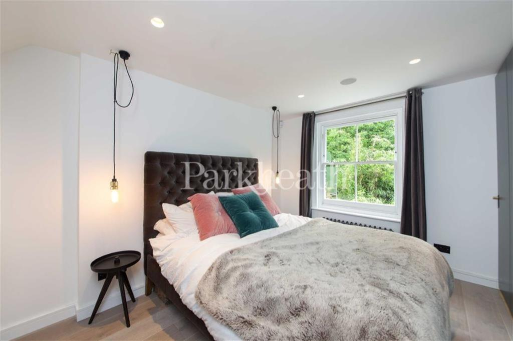 1 Bedroom Flat For Sale In Agamemnon Road West Hampstead London Nw6