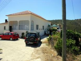 Villa for sale in Albufeira, Algarve...