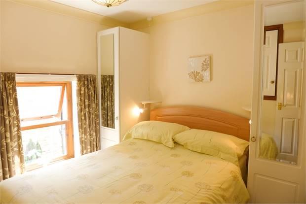 Jasmine Cottage Bedroom 1