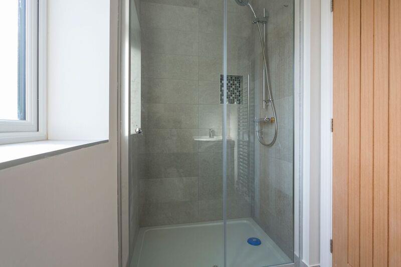 Showerpl3.jpg