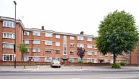 Apartment for sale in Vale Court, The Vale...