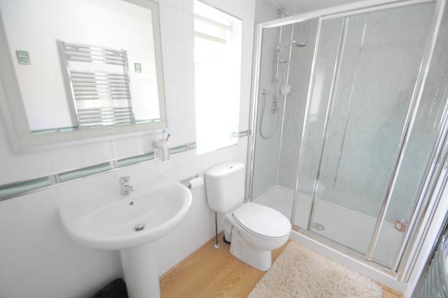 En Suit Shower Room