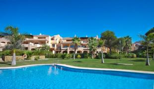 4 bed new Apartment for sale in Marbella