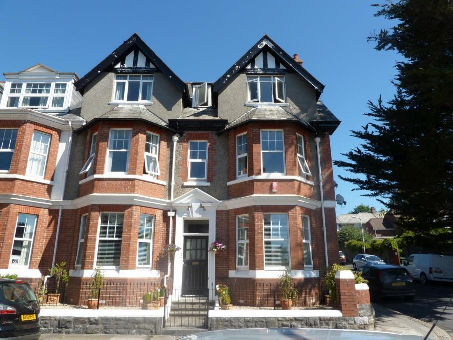 2 Bedroom Flat To Rent In Thornhill Road Mannamead