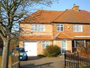 5 bedroom semi detached home to rent in High Wycombe