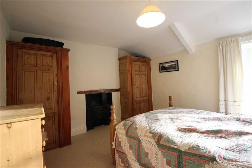 BEDROOM ONE, EN-SUIT