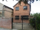 3 bed Detached home to rent in Enfield