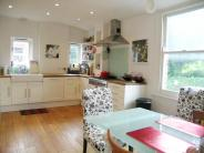 2 bedroom Flat in Oaklands Grove...