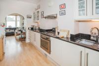 2 bed Flat in Becklow Road...