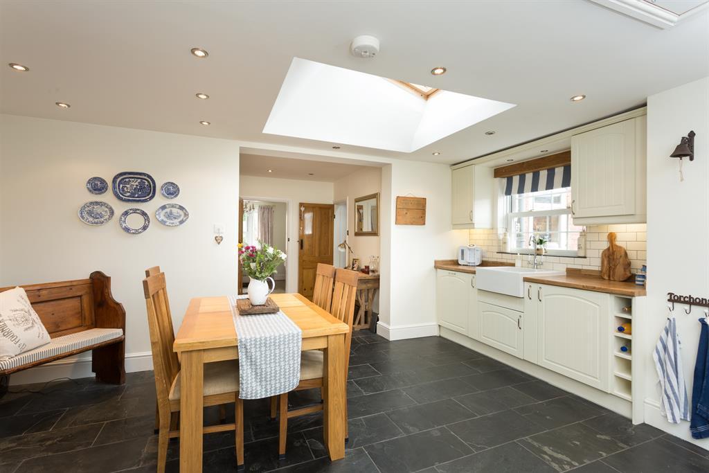 Kitchen Diner Alt View