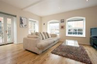 1 bed Apartment in Ashenden Road, Hackney...