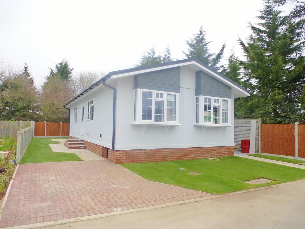 2 Bedroom Mobile Home For Sale In Shenley Park Shenley Corner Tn27