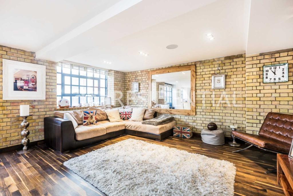 2 Bedroom Apartment To Rent In Merchant Court 61 Wapping Wall London E1w 3sj E1w