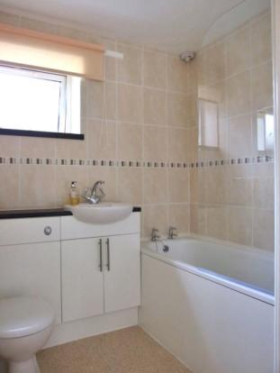 10 Balmoral close - bathroom