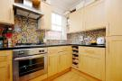 2 bed Flat to rent in Warham Road, Harringay