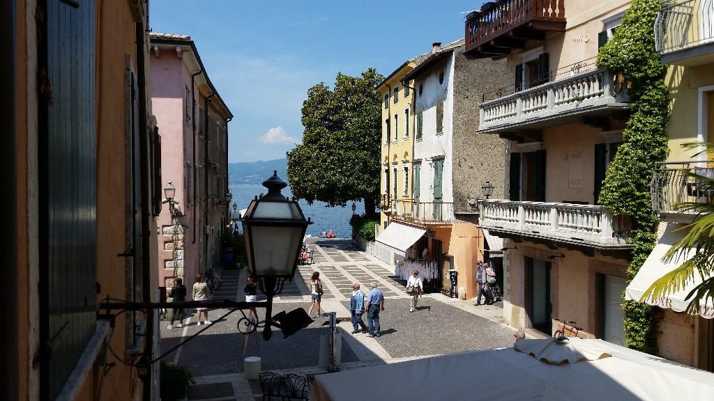 Flat for sale in Torri Del Benaco, Verona...
