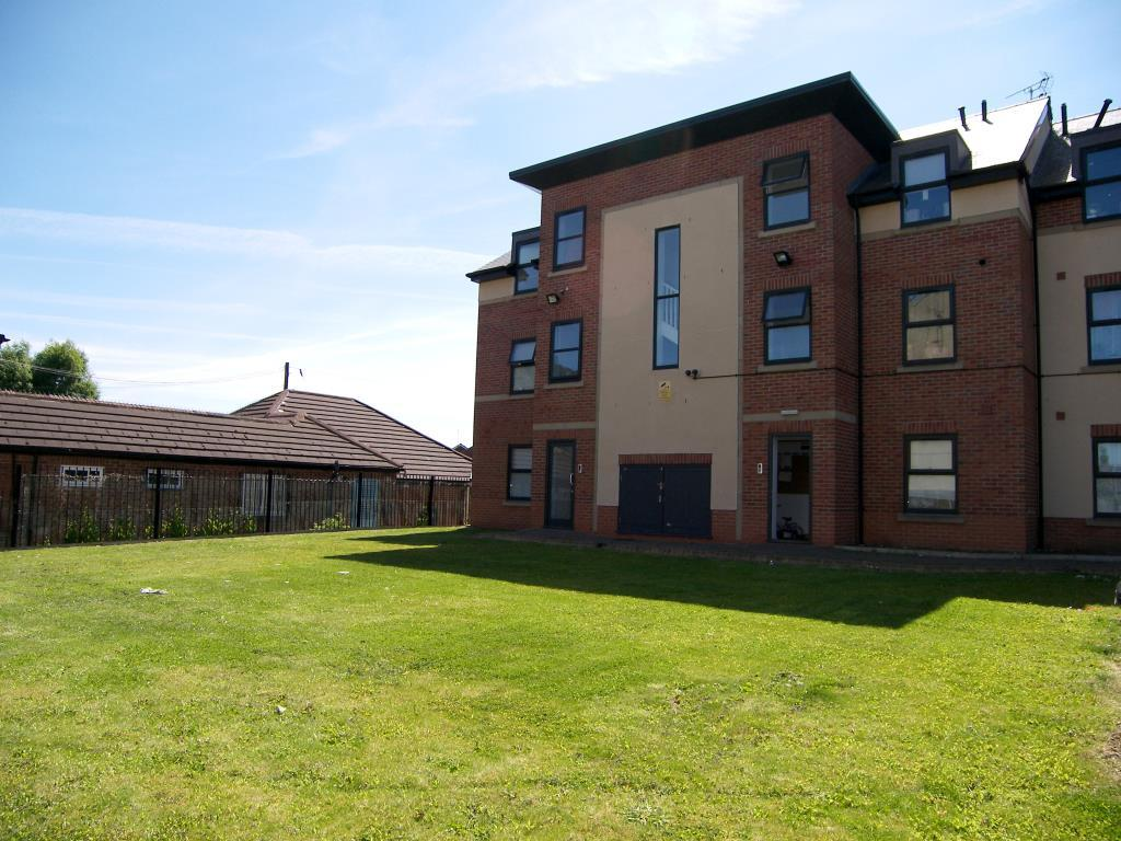 2 bedroom apartment for sale in red court, hall road, armley