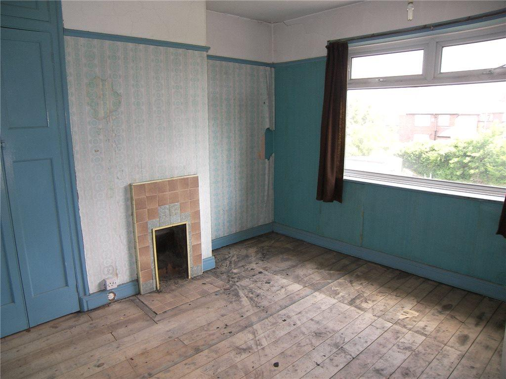 3 bedroom semi-detached house for sale in orion crescent, leeds
