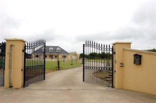 6 bedroom Detached home in Wexford, Fethard