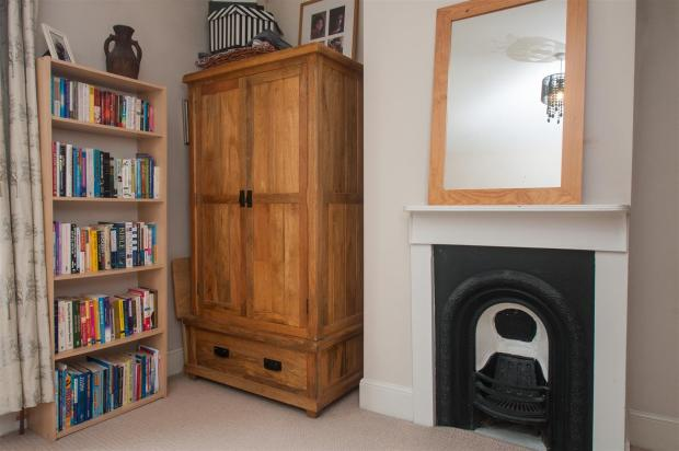 Bedroom2_2.jpg