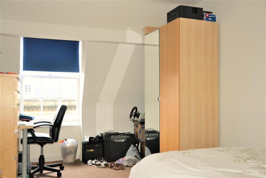 Flat3Bedroom4.JPG