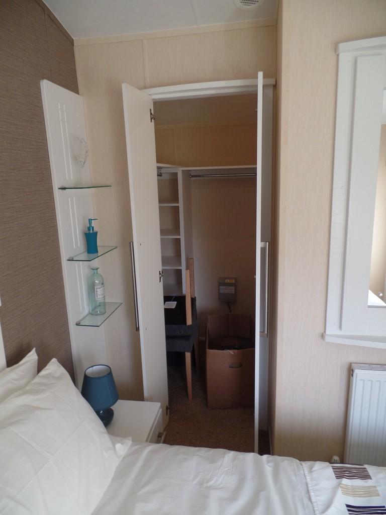 Master Bedroom Wa...