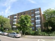 2 bedroom Flat in Stratton Court...