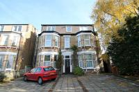 Flat to rent in The Avenue, Surbiton