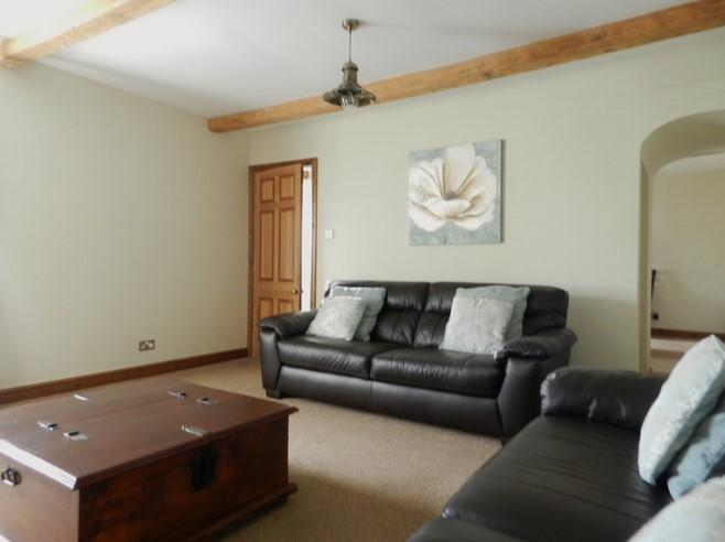 Lounge 4 (Property Image)
