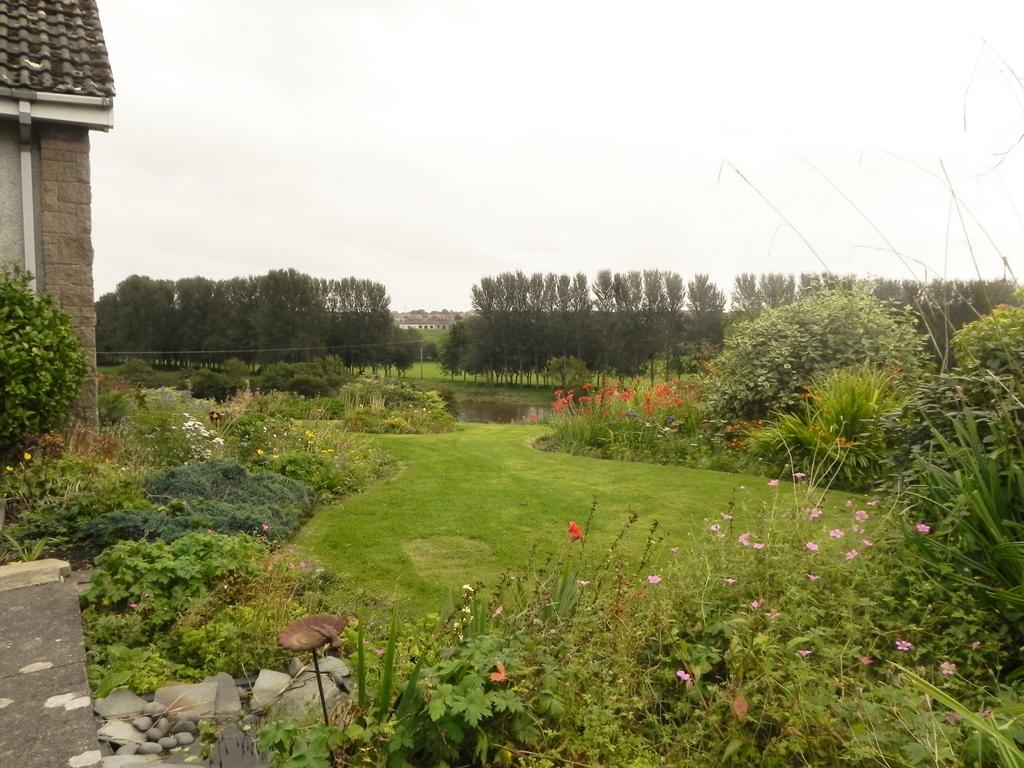 September Garden (Property Image)
