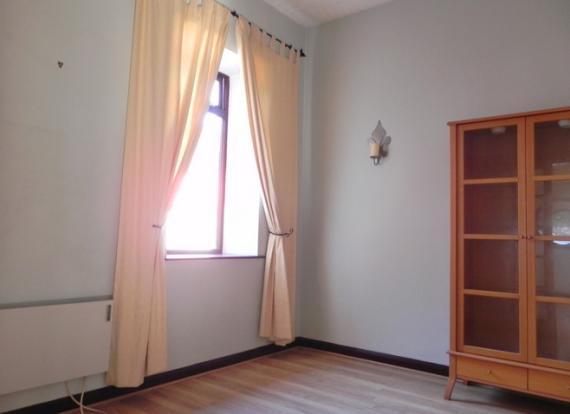 D room 1 (Property Image)
