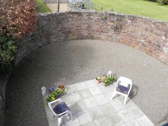 Annex garden (Property Image)