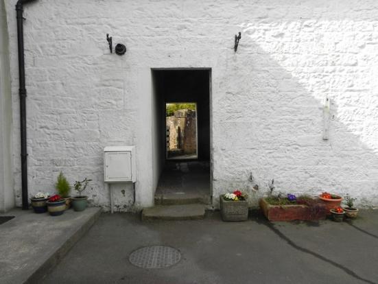 Thru to garden (Property Image)