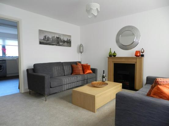 4 Mulloch View Lounge 1 (Property Image)