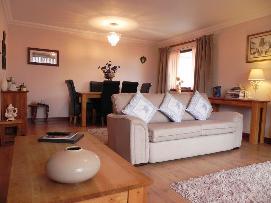 Lounge to Dining (Property Image)