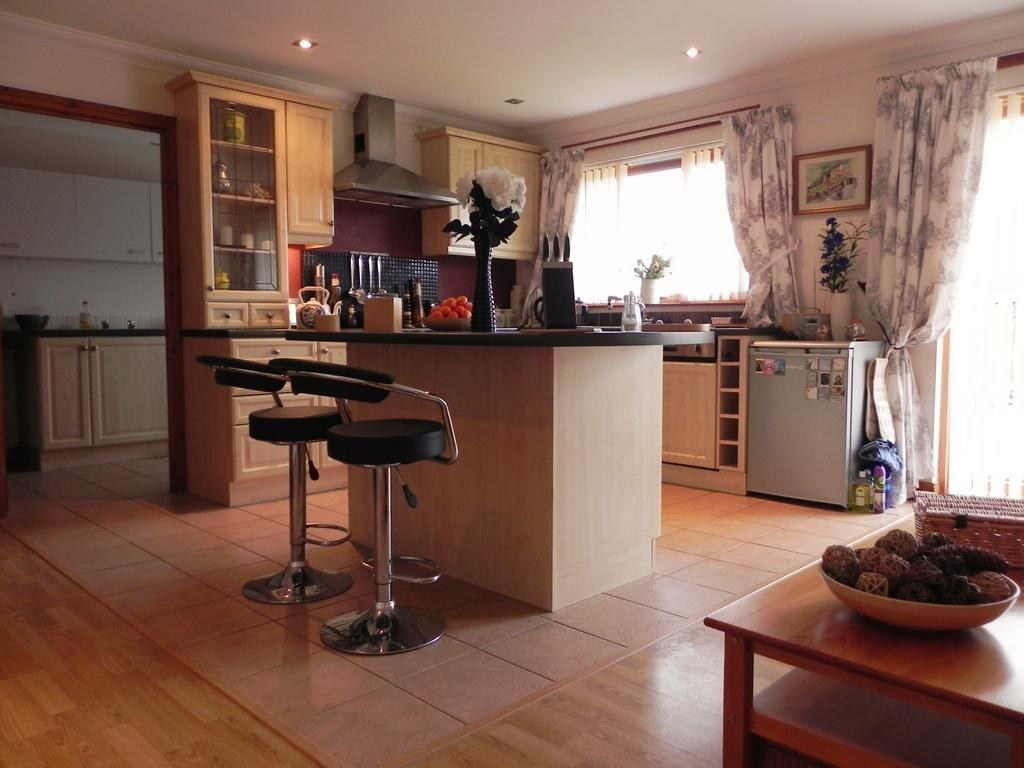 Kitchen 4 (Property Image)