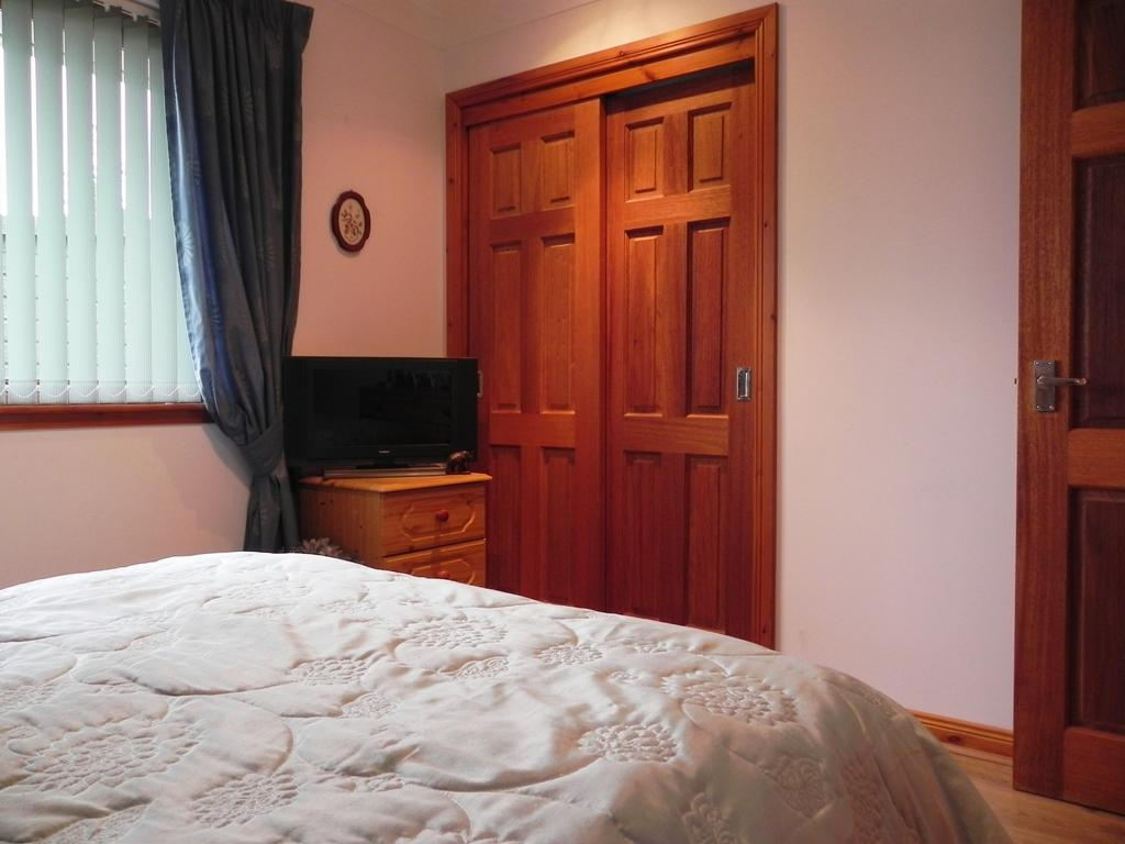Bedroom 2 3 (Property Image)