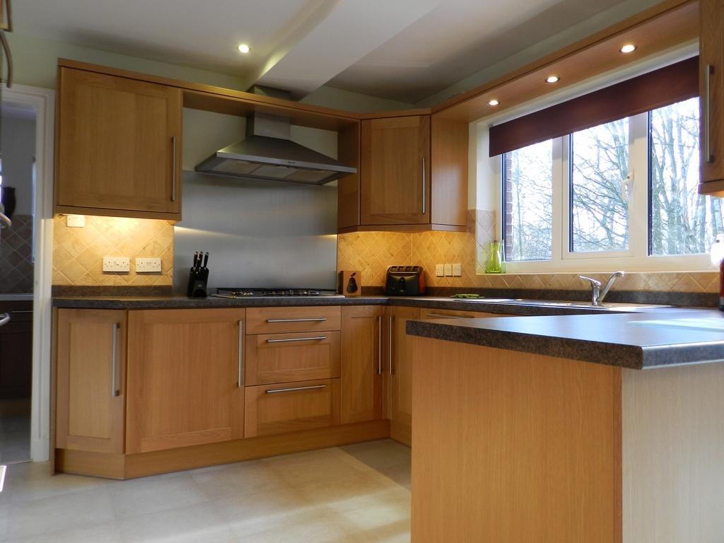 Kitchen lights (Property Image)