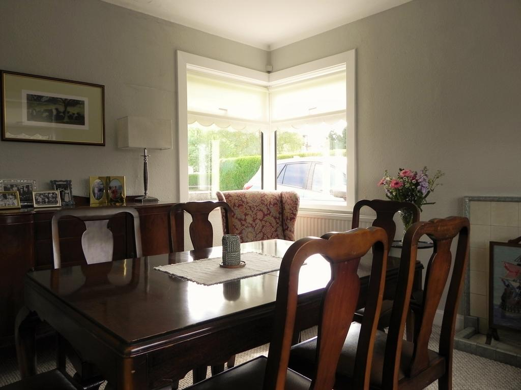 Dining Room (Property Image)
