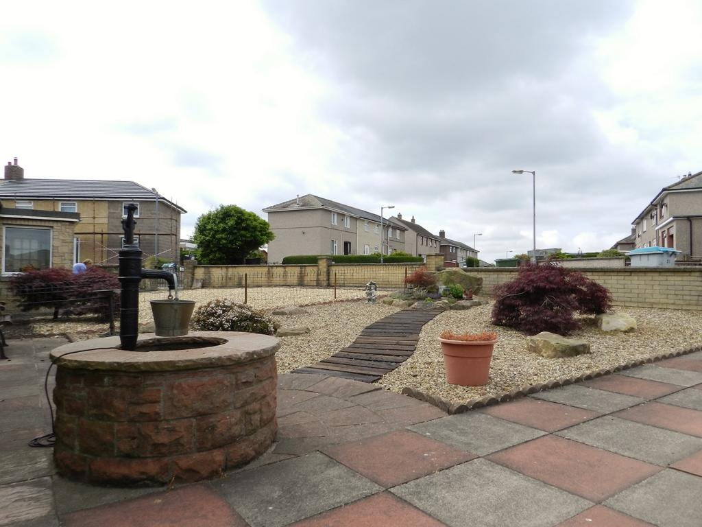 Front Garden (Property Image)
