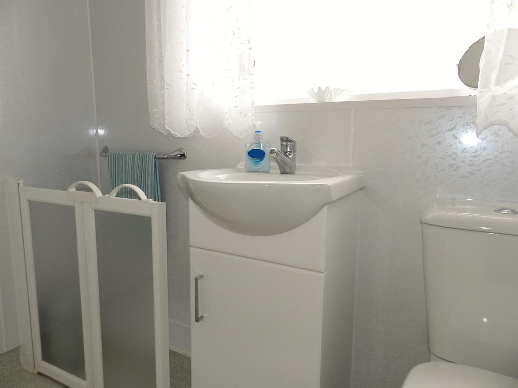 Shower Room 1 (Property Image)
