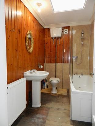 Bathroom 2nd Floor (Property Image)