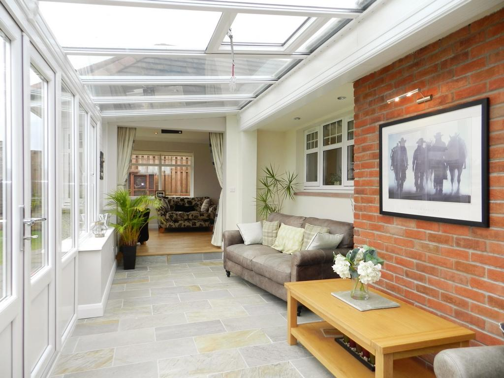 Sun Lounge 3 (Property Image)