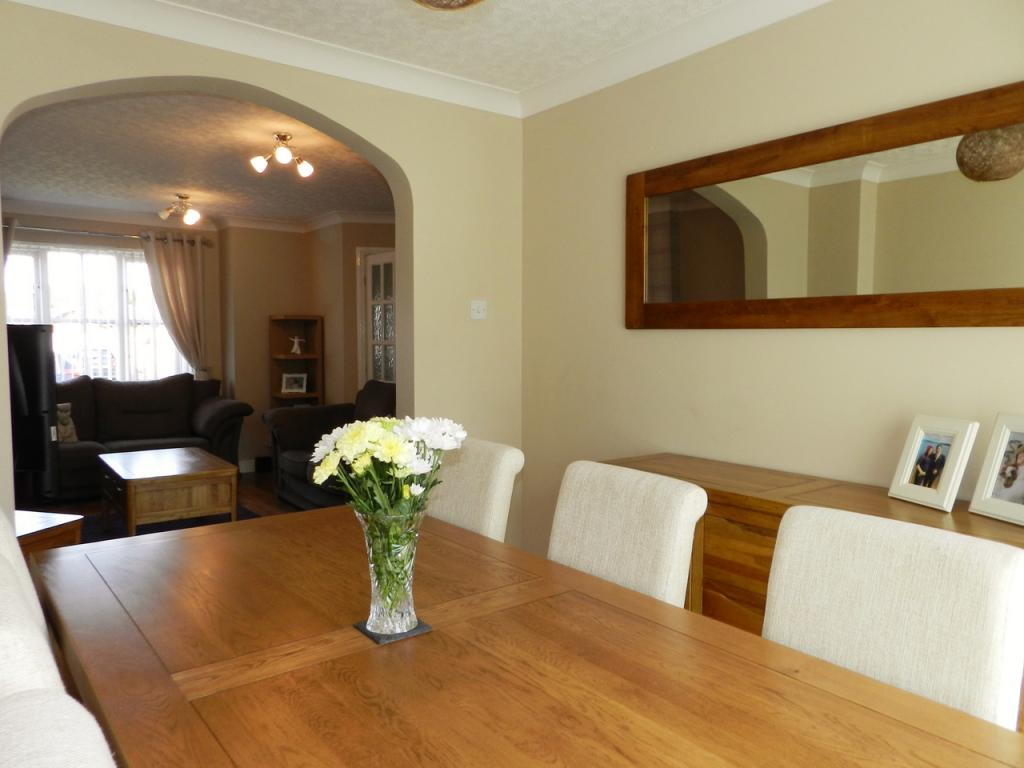 Dining to Lounge (Property Image)