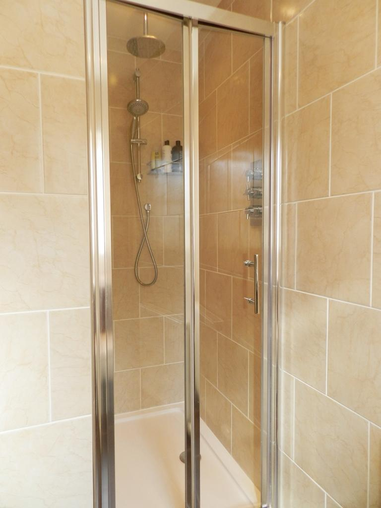 En Suite 1 (Property Image)