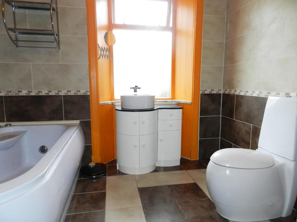 Bathroom (Property Image)