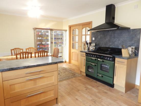 Dining Kitchen (Property Image)