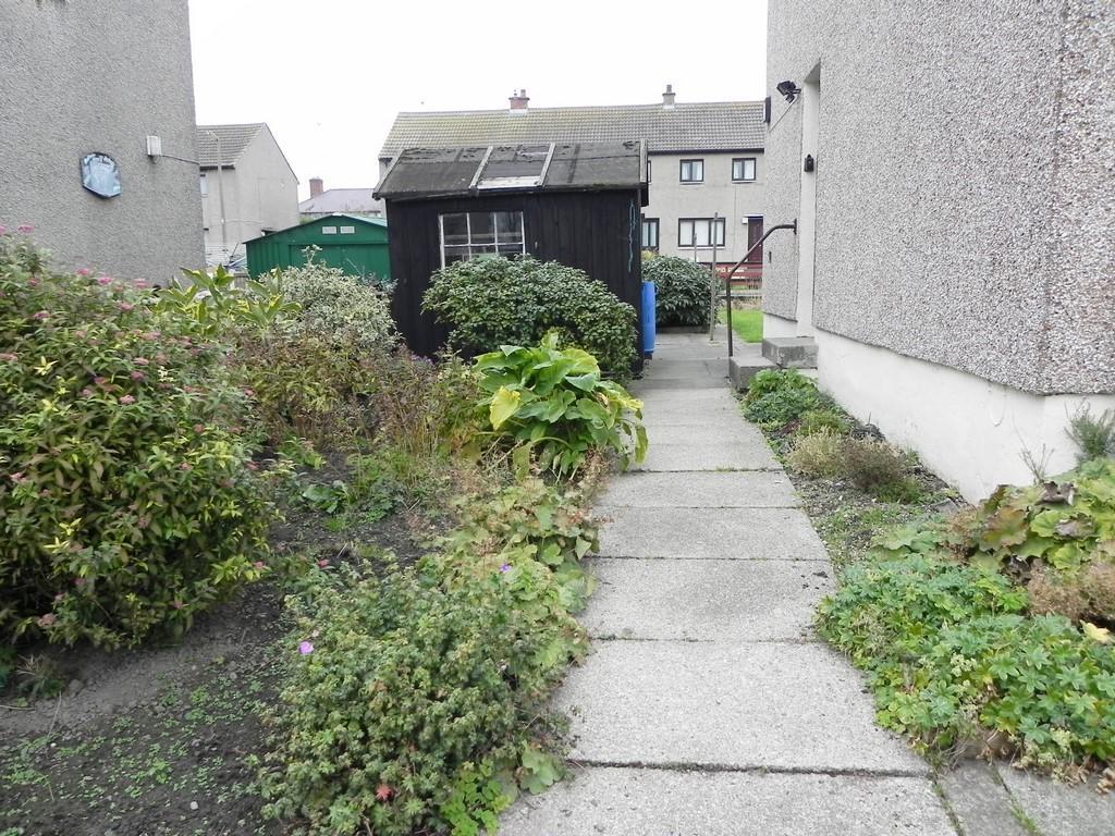 Side garden (Property Image)