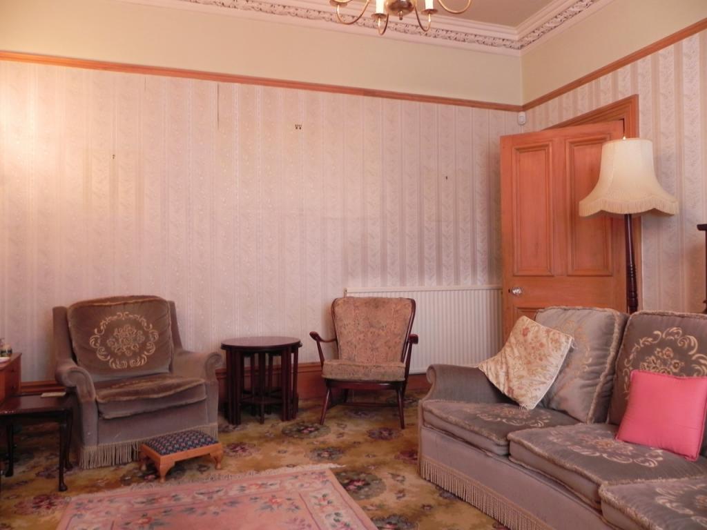 Sitting Rm 2 (Property Image)