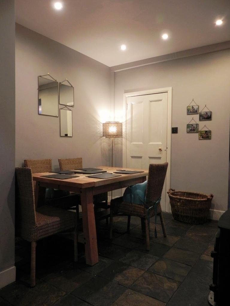 Dining (Property Image)